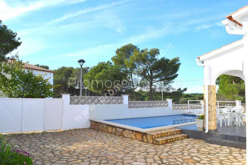 L'Escala,  Maison avec piscine privée a 600m de la plage