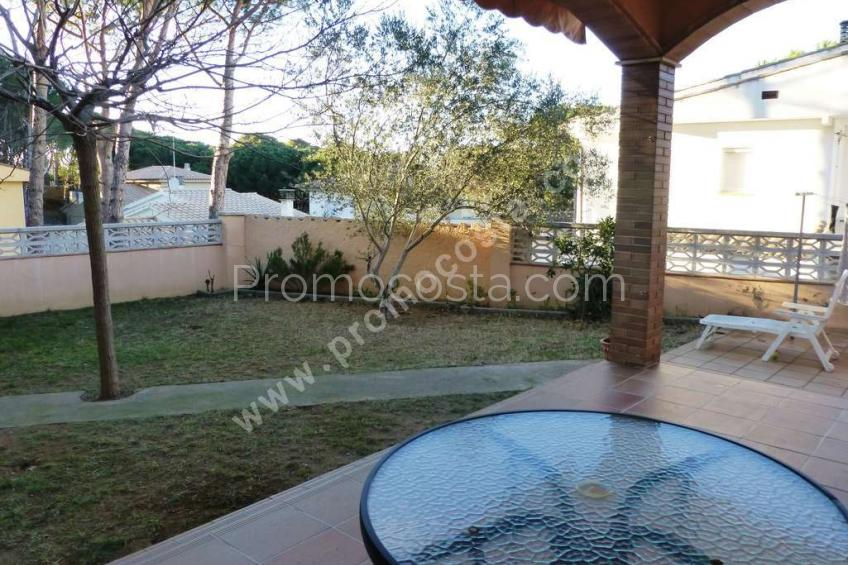 L'Escala, House located  400m from the Ampurias beach