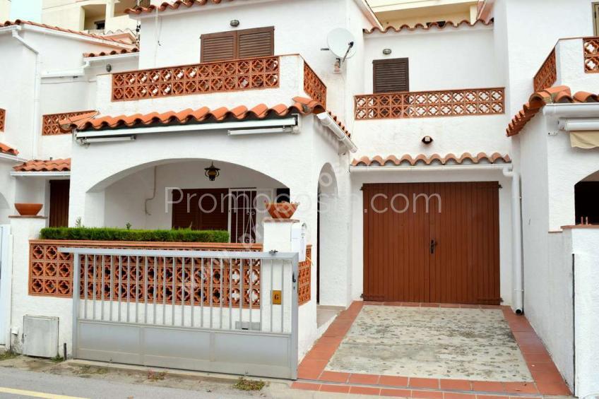 L'Escala, Casa situada a 150m de la playa de Riells