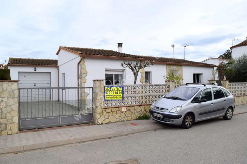 Ventalló-Mas Gros, Maison a rez de chaussée à Mas Gros-Viladamat