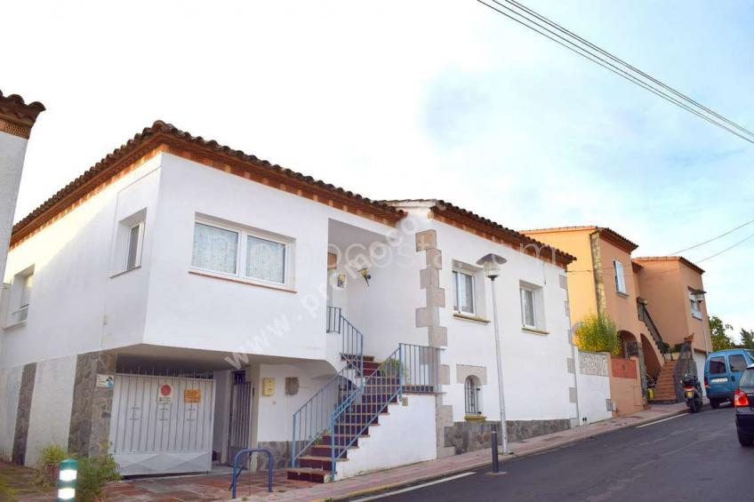L'Escala, House with private garden and 3 bedrooms