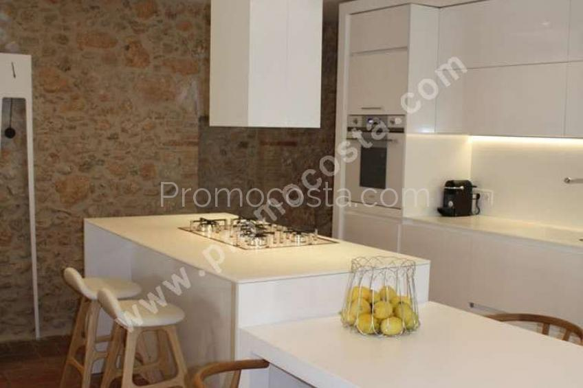 Albons, Very nice renovated house located in Albons