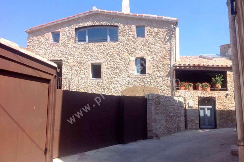 Albons, Spacious renovated rustique house with pool