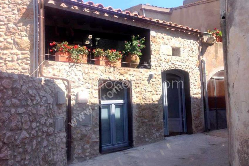 Albons, Renovated townhouse, 4 km from the beach