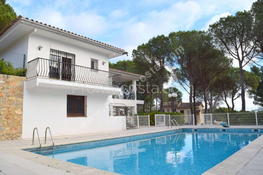 L'Escala, Casa independent amb jardí i piscina privada