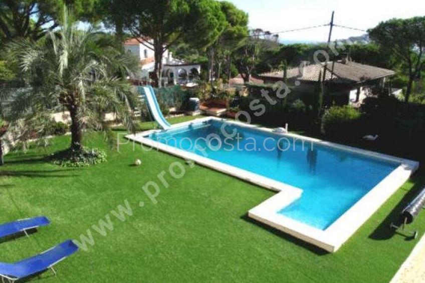 L'Escala, Bonita casa con piscina climatizada y vistas