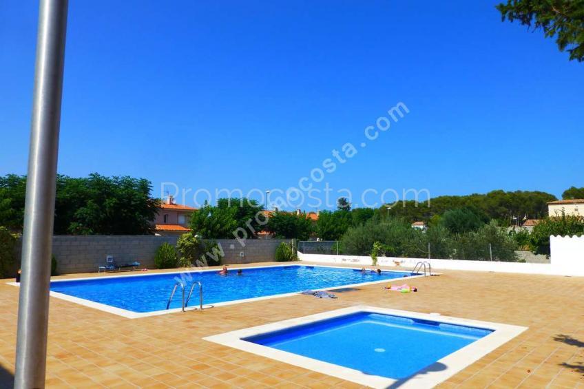 L'Escala, Bonita casa con piscina comunitaria
