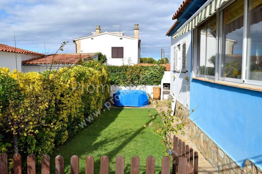 L'Escala, Independent ground-floor house  with garden