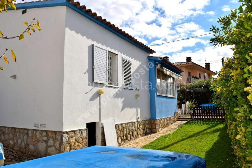 L'Escala, Independent ground-floor house  with garden