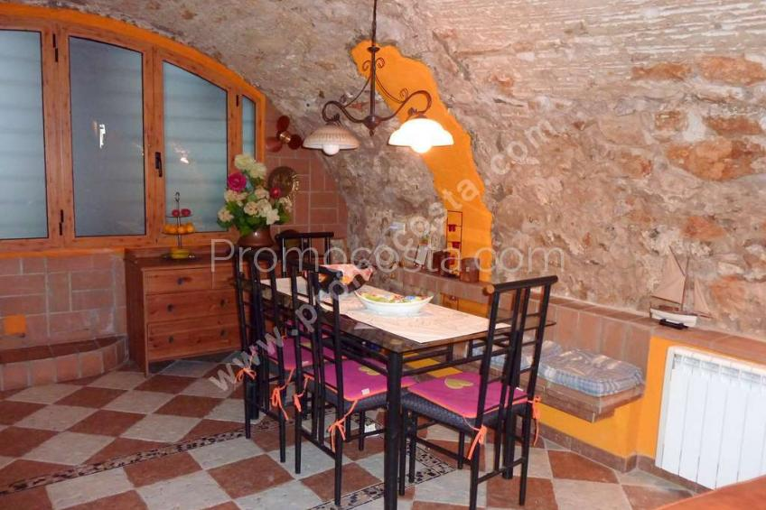 L'Escala, Rustic house 250m from the beach