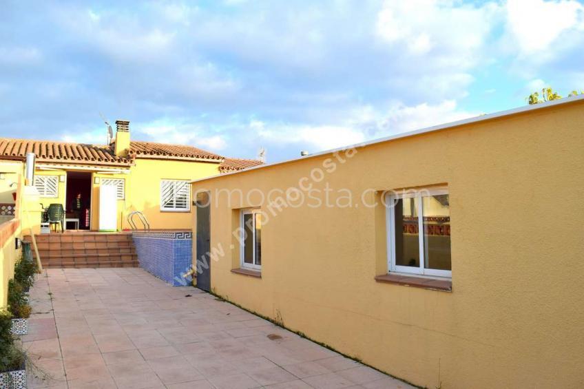 L'Escala, Casa con piscina privada y garaje