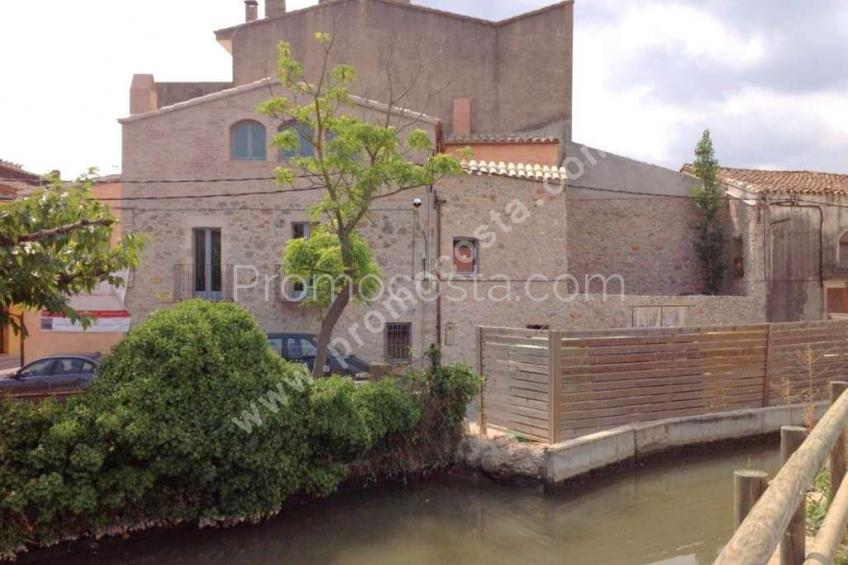Bellcaire, Large rustic house with private pool in Bellcaire