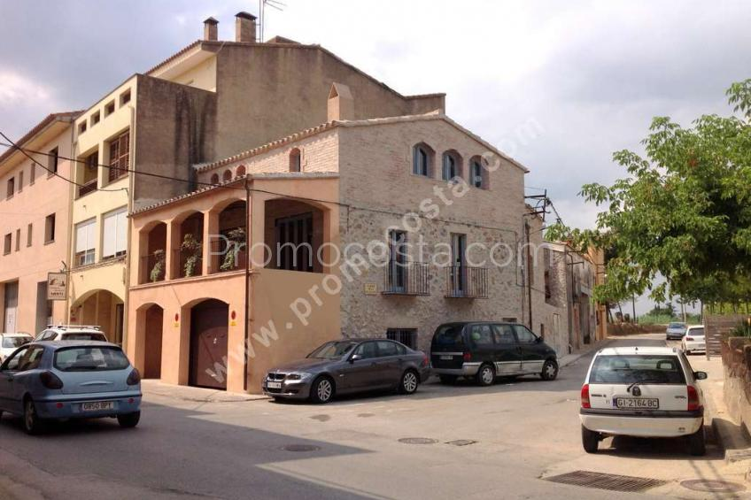 Bellcaire, Large rustic house in Bellcaire