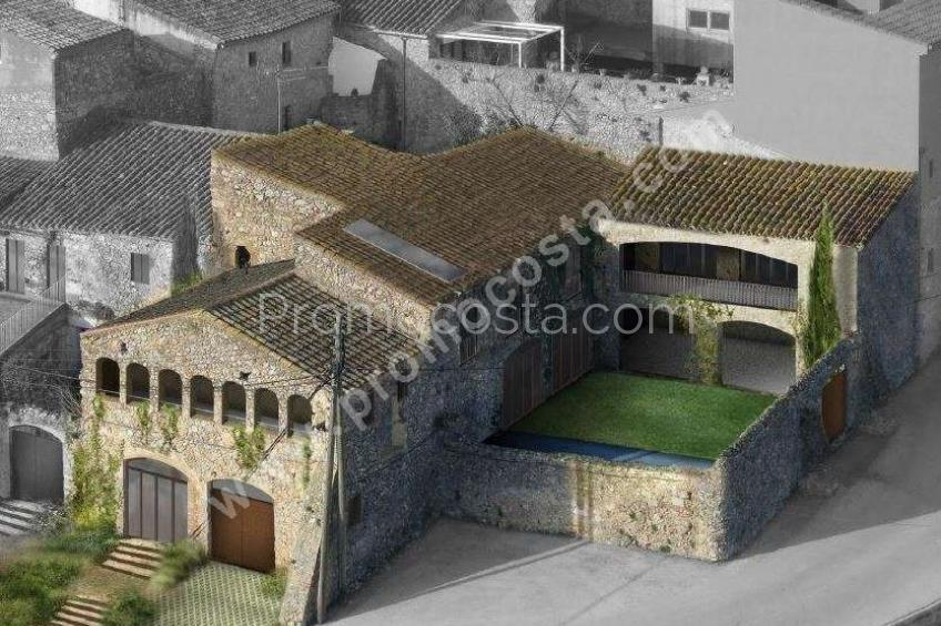 Bellcaire, Impressionant casa rustica amb jardí i piscina