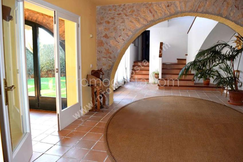 Albons, Especial casa rustica con piscina y jardín