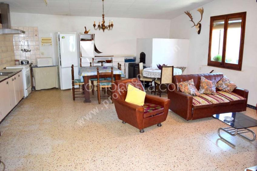 Bellcaire, Amplia casa rustica para renovar