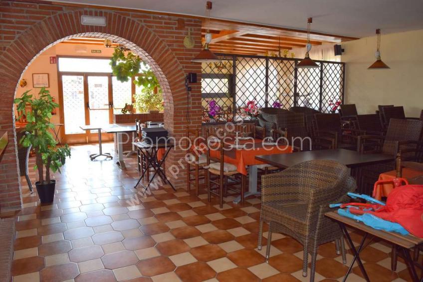 L'Escala, Restaurante + vivienda cerca de la playa