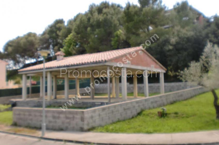 Calabuig, Land + house structure