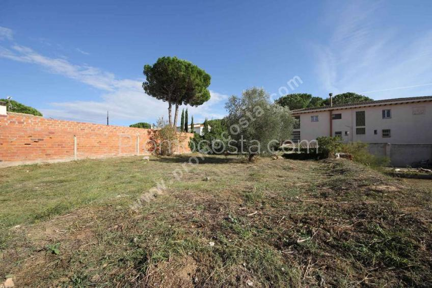L'Escala, Plot of 600m2, located about 1000m from the beach