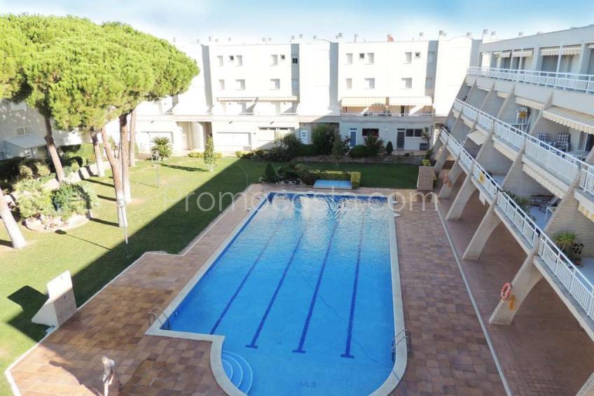 L'Escala, Apartamento en perfecto estado con piscina comunitaria