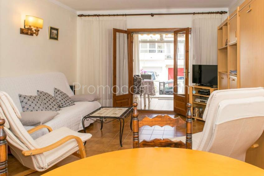 L'Escala, Ground floor apartment with terrace and parking
