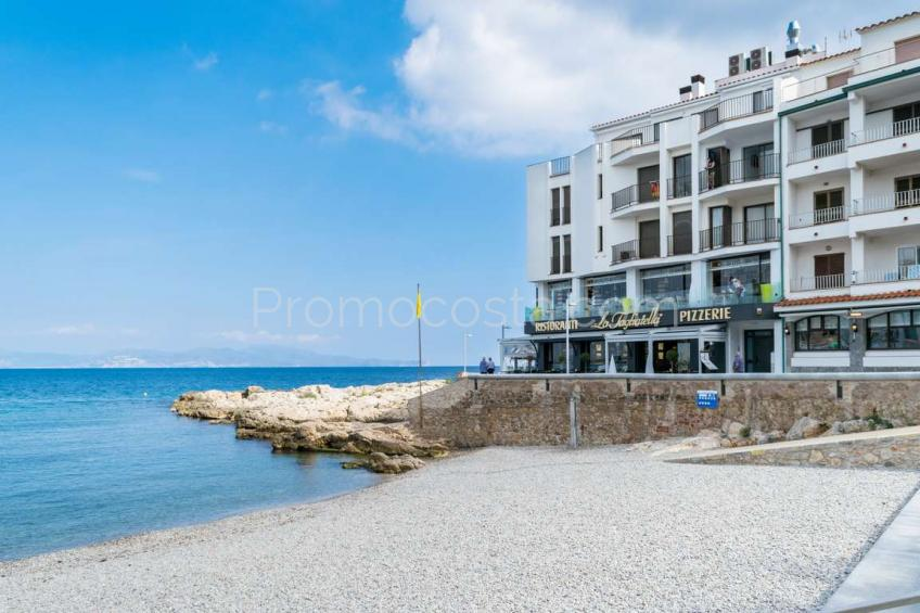 L'Escala, Appartement exclusif avec garage a 20m de la plage du Vieux Village .