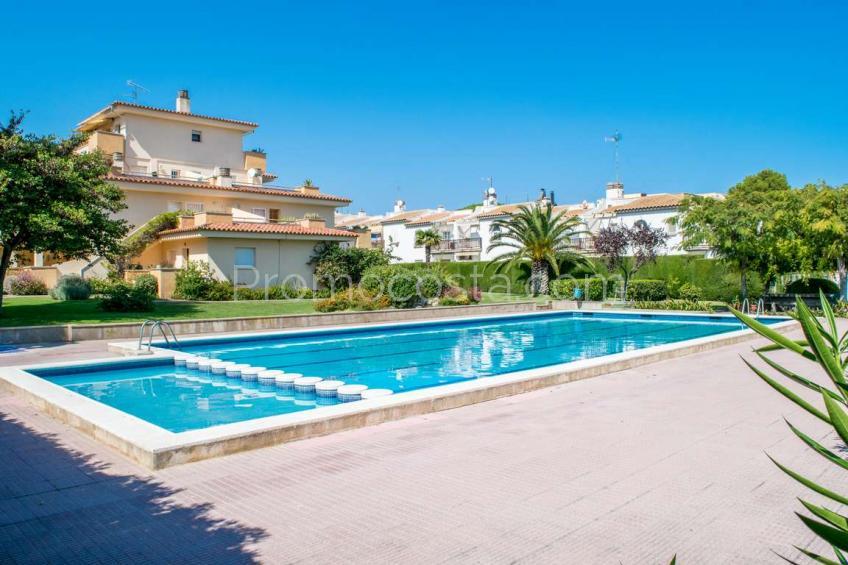 L'Escala, Apartament amb piscina comunitària i vista al mar, prop de la platja