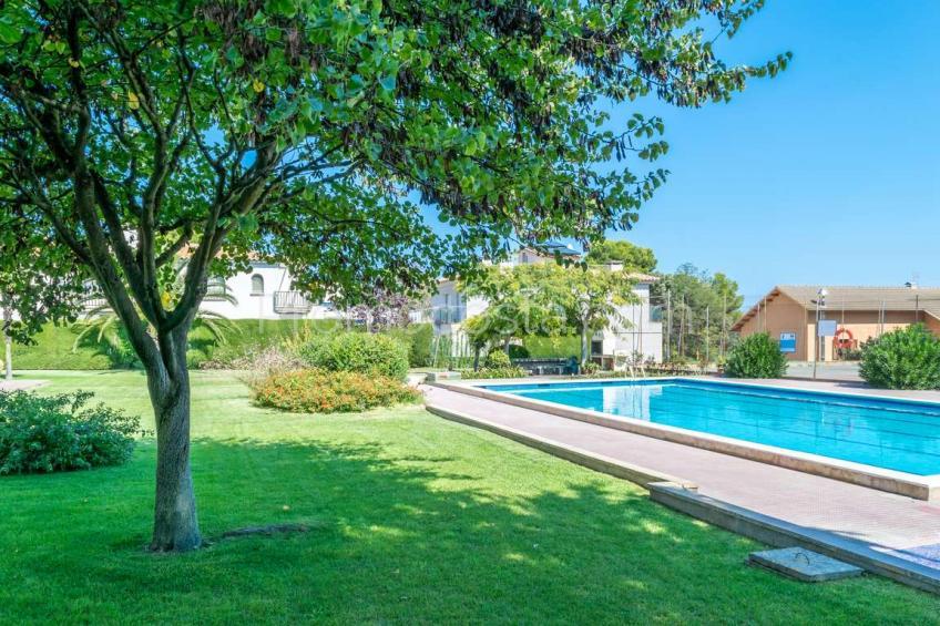 L'Escala, Apartamento con piscina comunitaria y vista al mar, cerca de la playa