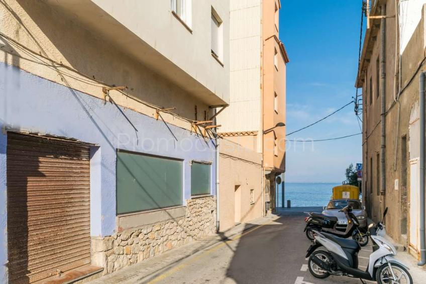 L'Escala, Housing / local very close to the beach of the Old Town