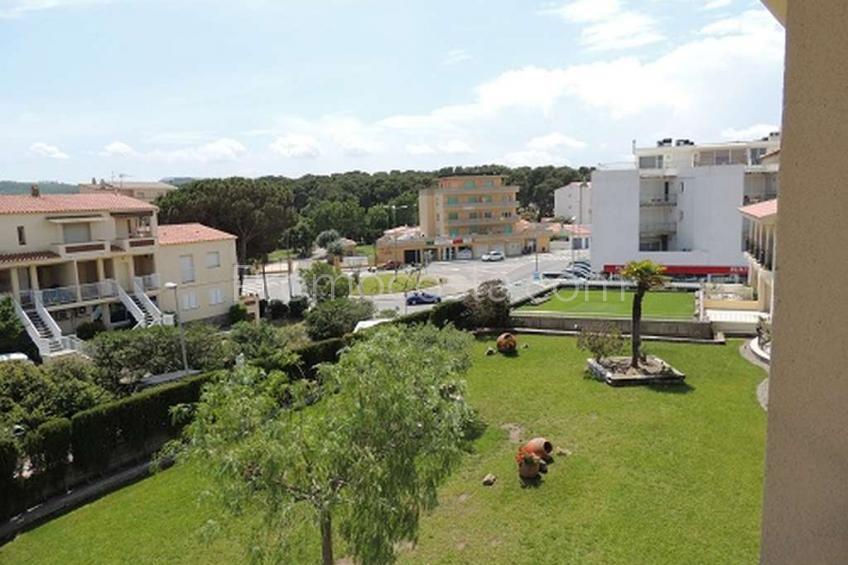 L'Escala, Piso con piscina y jardín comunitario muy cerca de la playa
