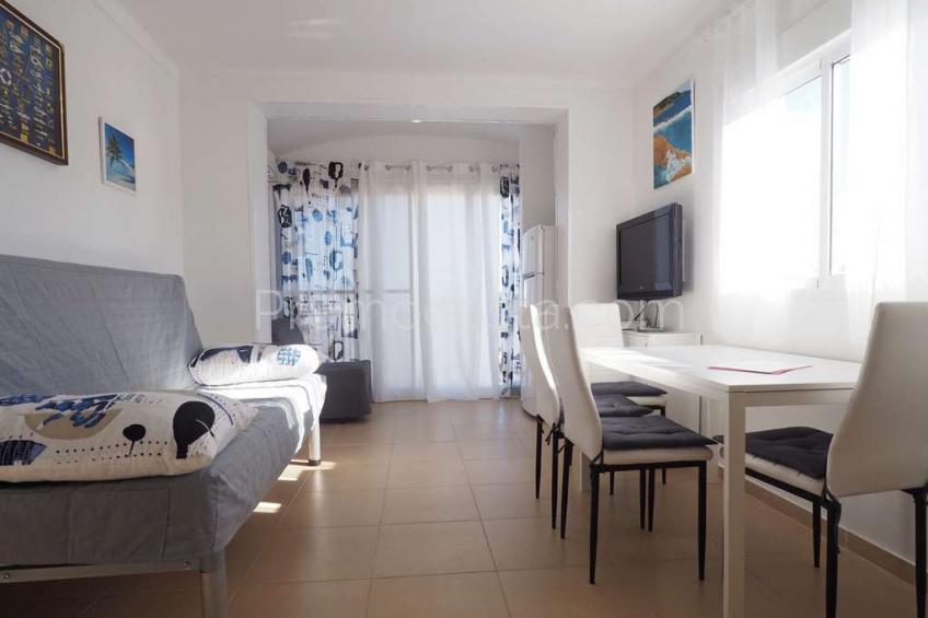 L'Escala, Apartamento reformado a 300m de la playa