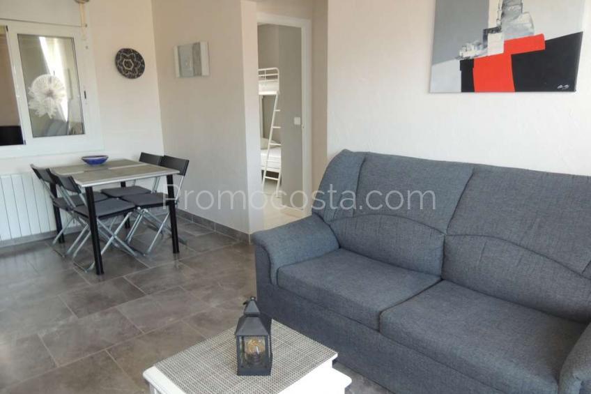 L'Escala, Agradable piso con 2 habitaciones a 800m de la playa