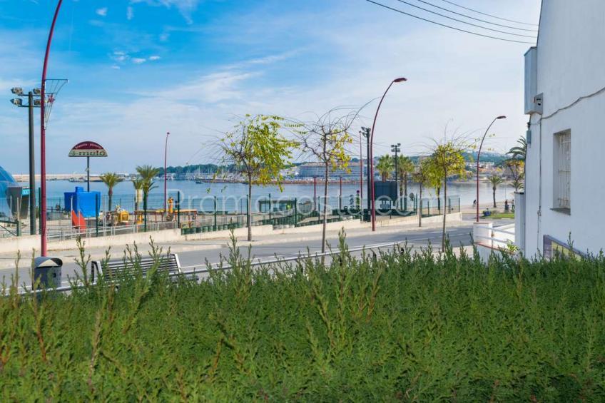 L'Escala, Apartamento con vista mar y patio a 50m de la playa