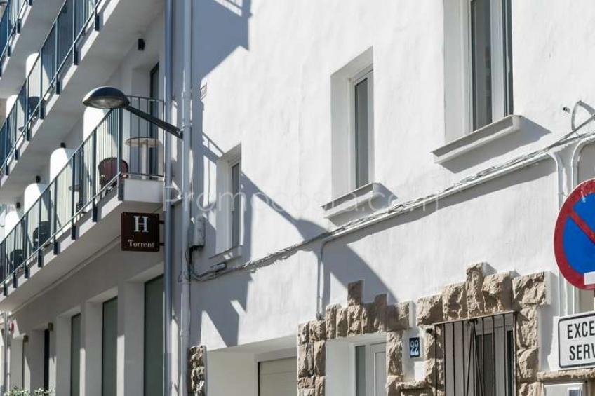 L'Escala, Casa luminosa con garaje en el casco histórico