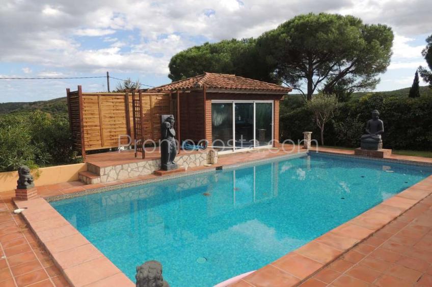 L'Escala, Casa con piscina y vista mar