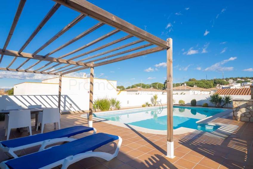 L'Escala, Casa independiente con piscina privada