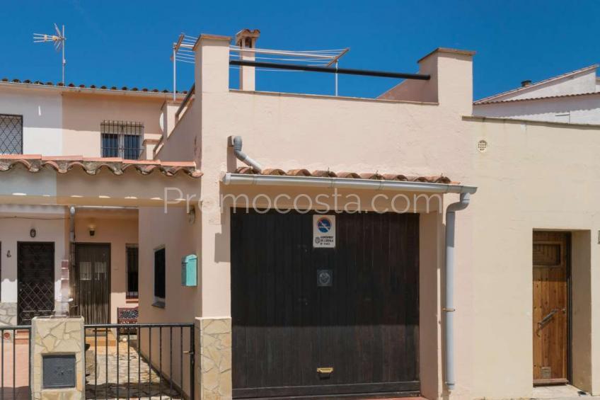L'Escala, Casa con garaje a 100m playa