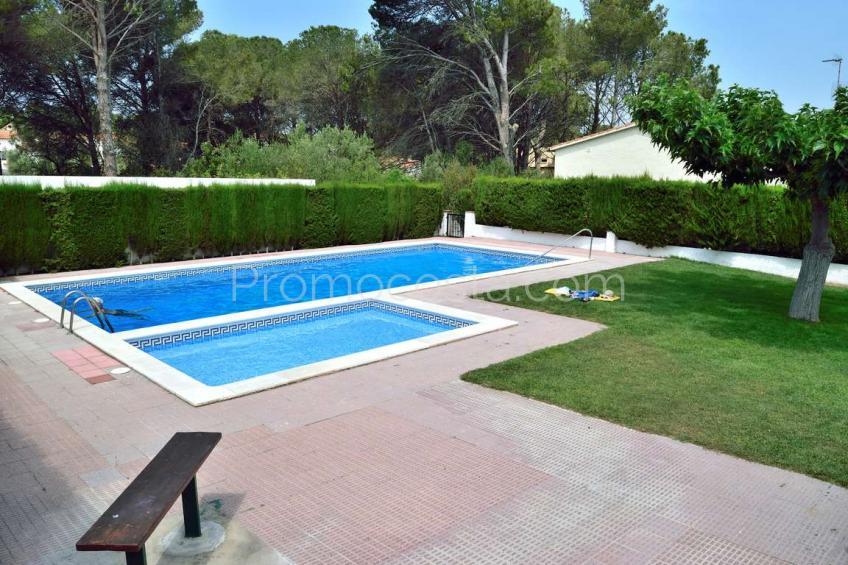 L'Escala, Casa independiente con garaje y piscina comunitaria
