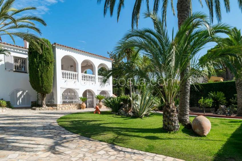 L'Escala, Casa con un gran jardín privado, piscina y vistas despejadas