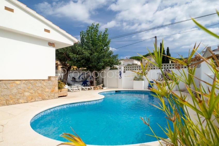 L'Escala, Casa con jardín y piscina en Puig Sec