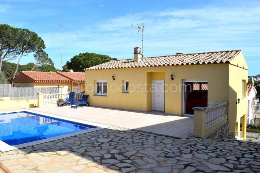 L'Escala, Bonita casa con jardín y piscina privada