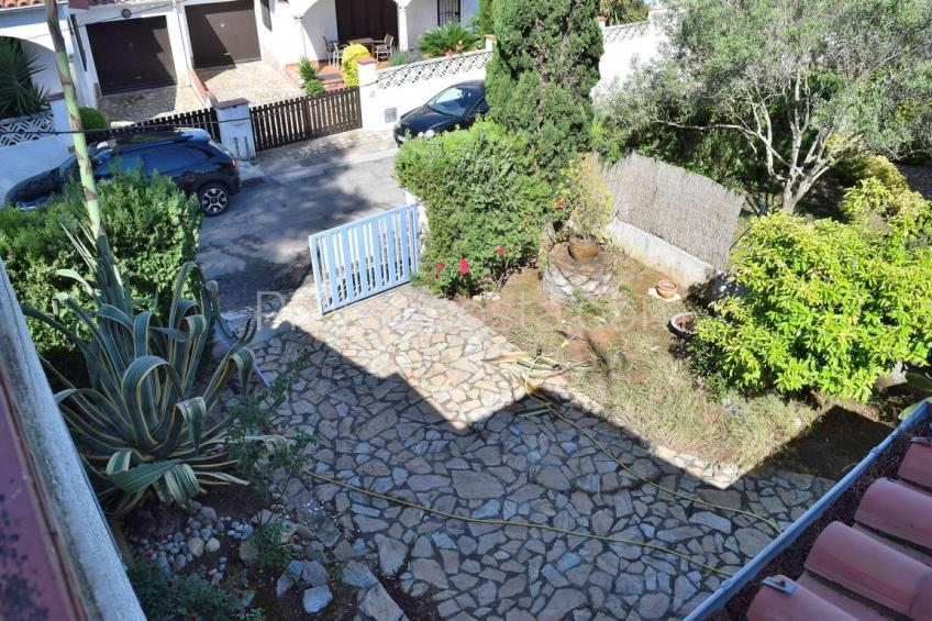 L'Escala, Detached house with garden and garage