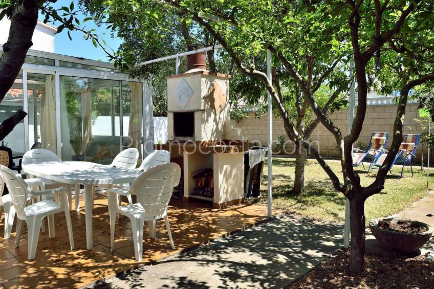L'Escala, Casa independent de planta baixa amb jardí