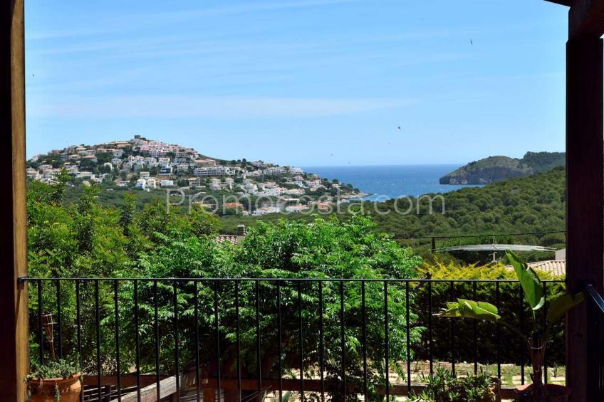 L'Escala, Impressionant casa amb piscina i vistes al mar