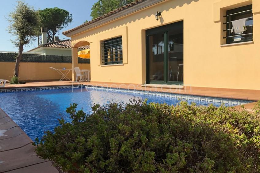 L'Escala, Casa independiente de planta baja con piscina privada