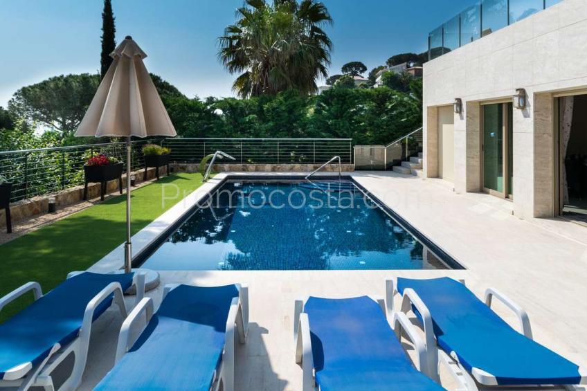 Calonge, Extraordinaria casa con vista al mar y piscina