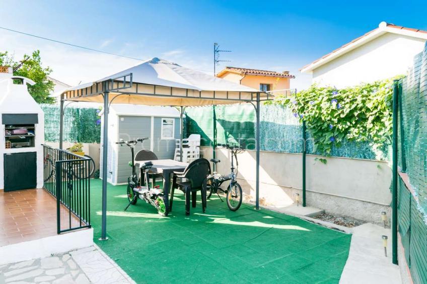L'Escala, Casa independiente con jardín privado