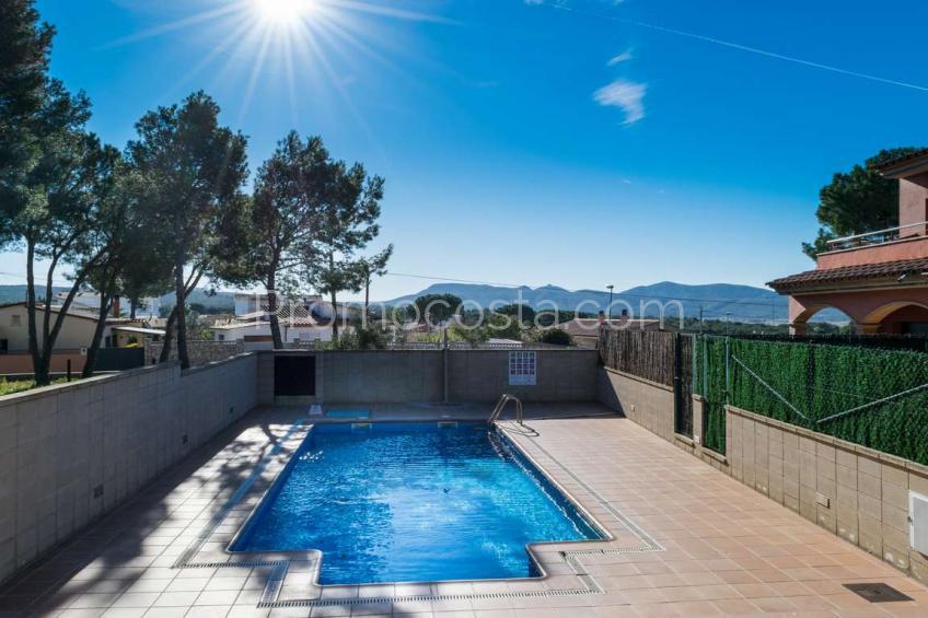 L'Escala, Casa impecable con piscina