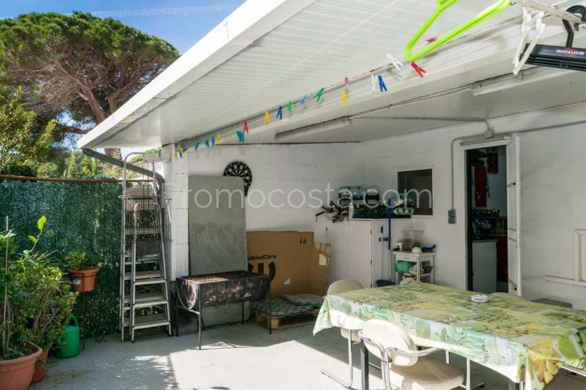 L'Escala, Casa con jardín cerca playa