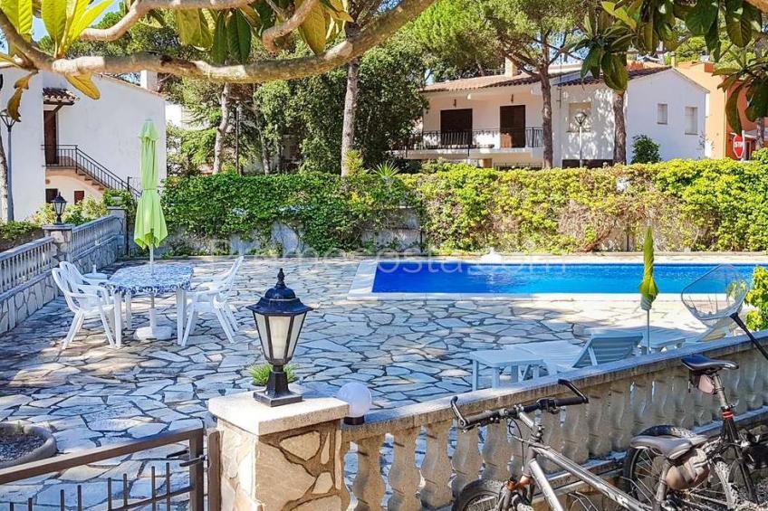 L'Escala, Casa con piscina cerca de la playa de Montgo